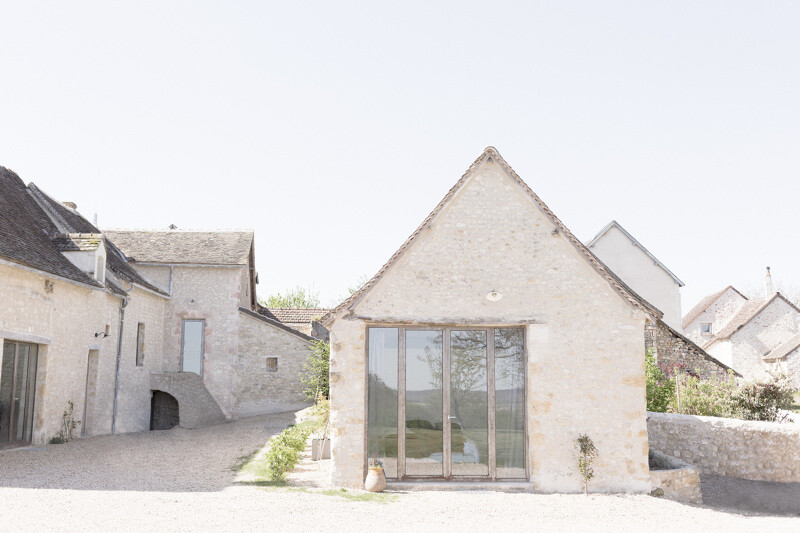Conversion of an old farmhouse into a summer home - by French studio Septembre Architecture (2)