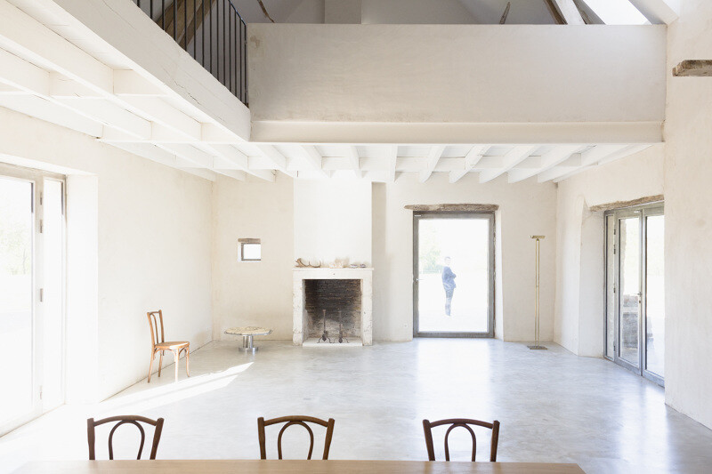 Conversion of an old farmhouse into a summer house - by French studio Septembre Architecture (5)