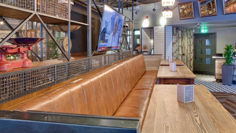 DV8 Designs has created a true rustic design in Beef and Pudding restaurant (7)