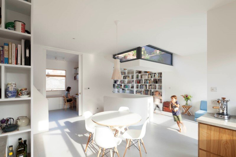 Extension and refurbishment of mixed use building (9)