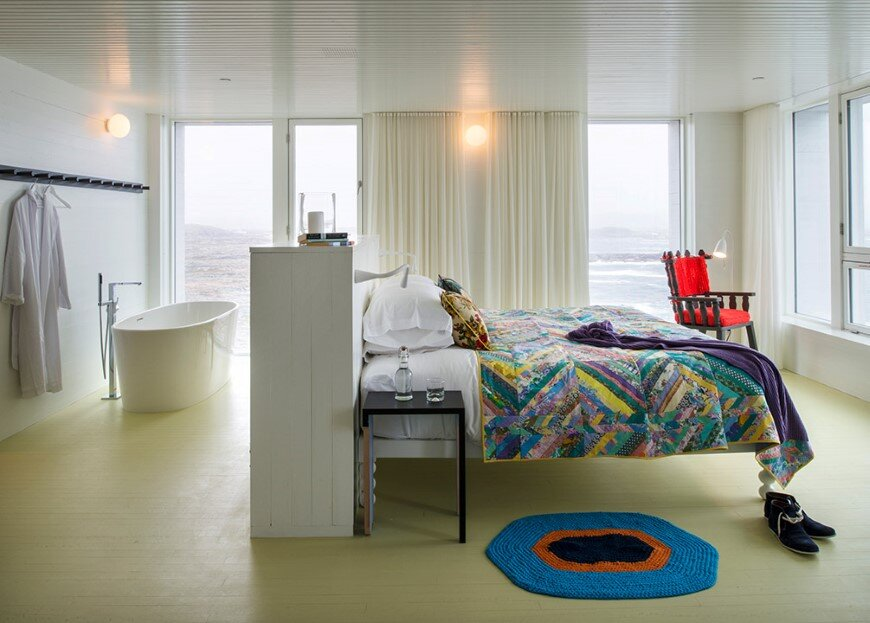 Fogo Island Inn by a timeless piece of architecture by Saunders (11)