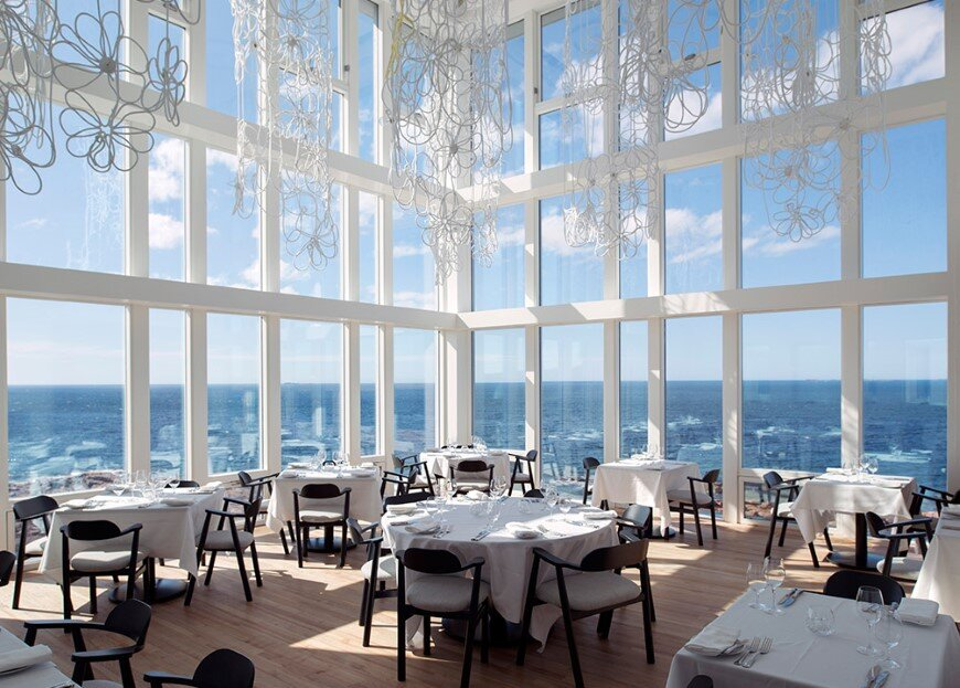 Fogo Island Inn by a timeless piece of architecture by Saunders (9)