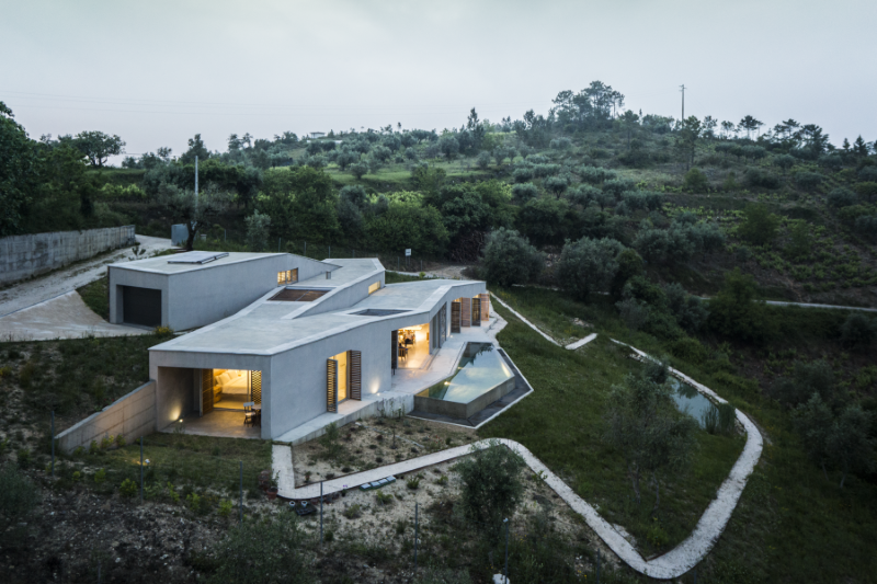 Gateira Concrete House Designed in Harmony with Dramatic Landscape