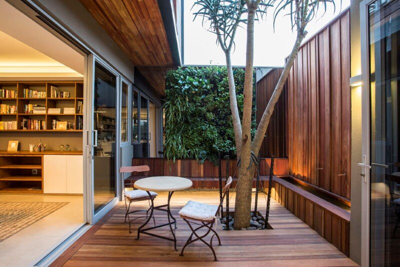 Googie architecture - Albizia House by Metropole Architects (11)