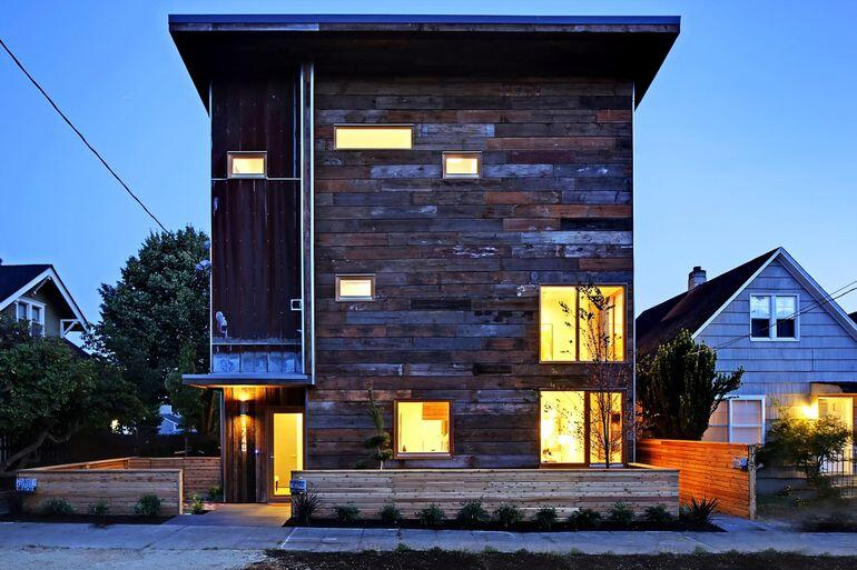 Built Green Emerald Star certified home in Seattle