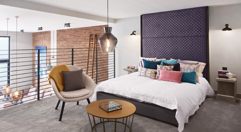 Loft apartment with an industrial factory feel - Northbourne, London (14)