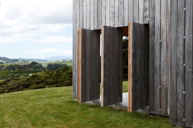 Matakana House - single level home by Strachan Group Architects (12)