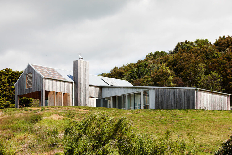 Matakana House - single level home by Strachan Group Architects (16)