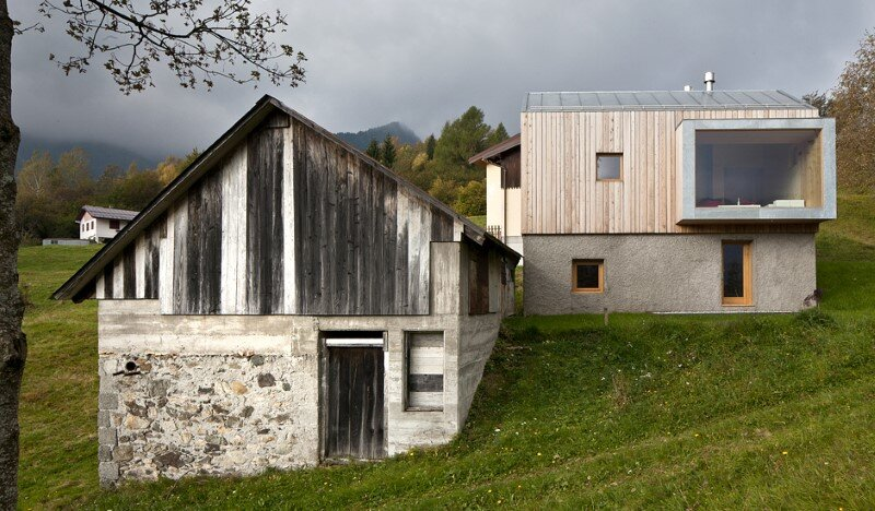 Old barn transformed into a meditative retreat in the mountains (6)