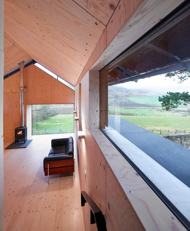 Old mill transformed into a modern holiday home (4)