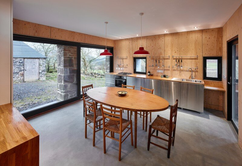 Old mill transformed into a modern holiday home (6)