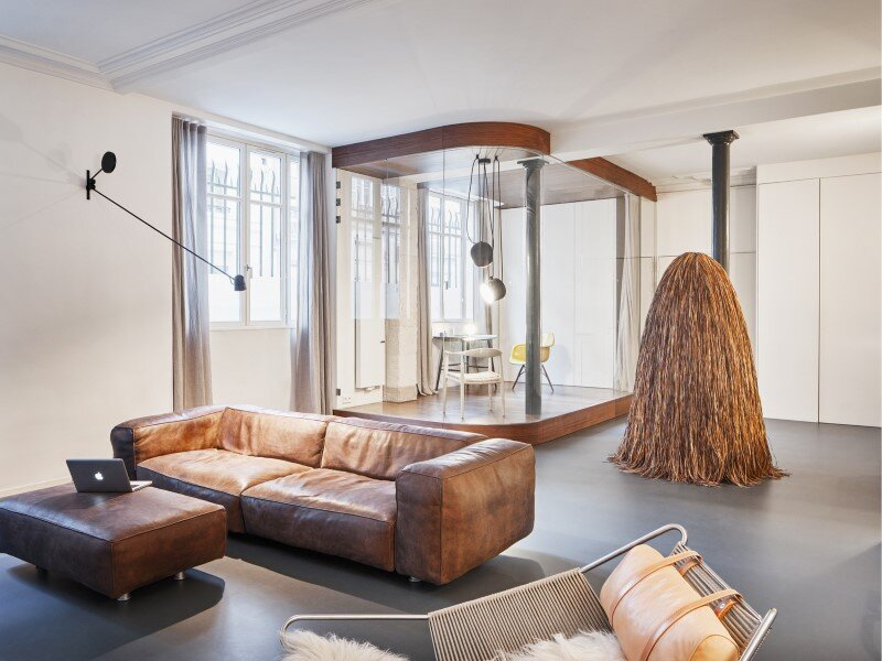 Parisian apartment with a gorgeous interior design customized with walnut and glass (18)