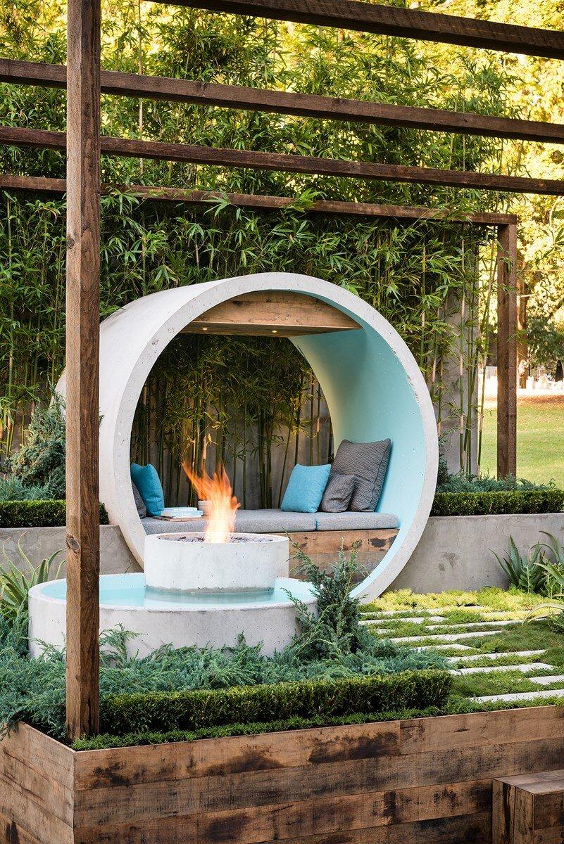 Pipe Dream Garden Expressive Use Of Concrete Material