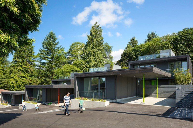 Set-of-three-houses-built-in-a-quiet-park-in-north-vancouver-11