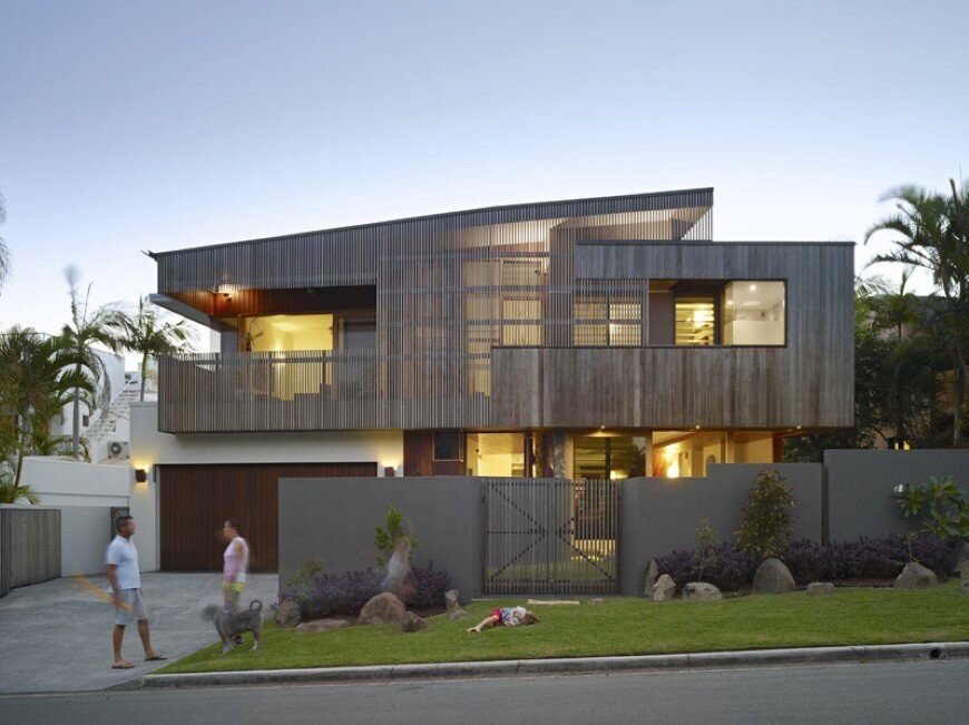 Sunshine-beach-house-by-shaun-lockyer-architects-1