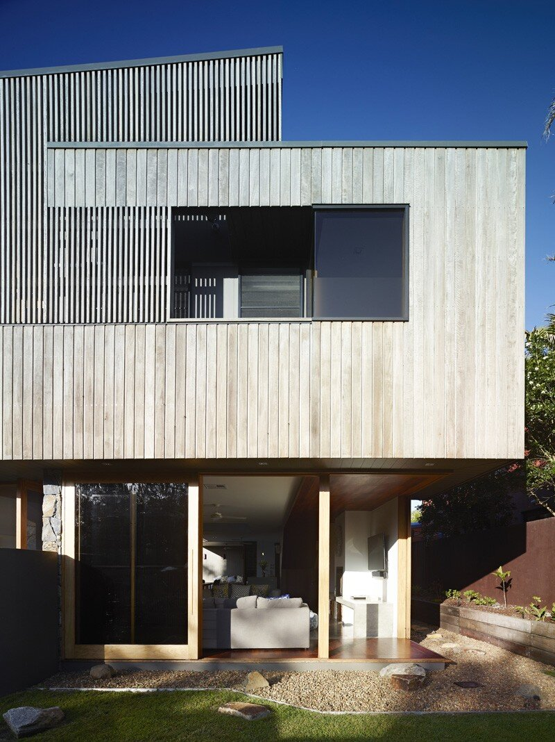 Sunshine Beach House By Shaun Lockyer Architects (5)