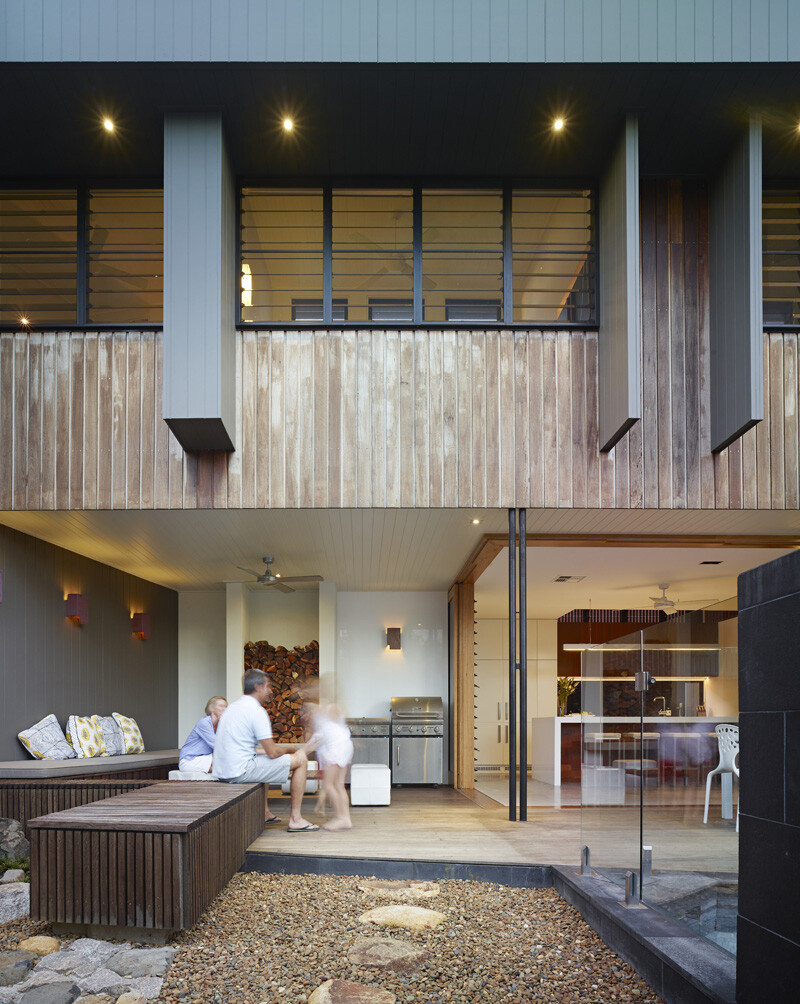 Sunshine Beach House By Shaun Lockyer Architects (6)