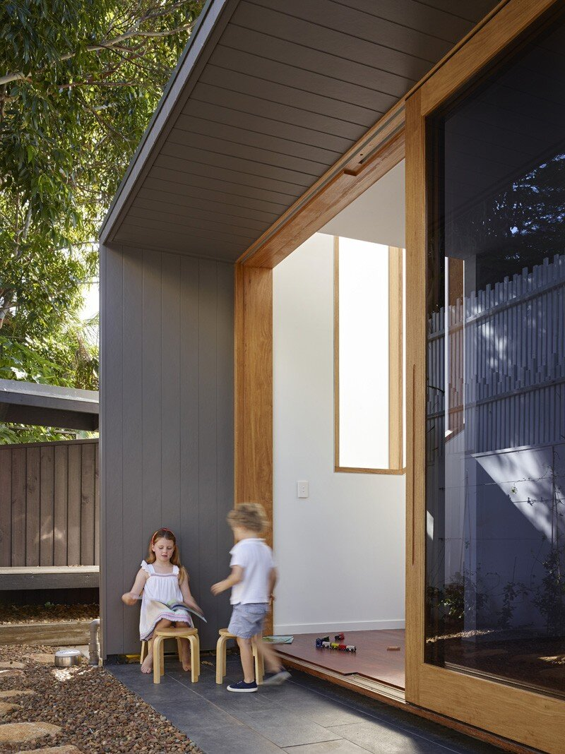 Sunshine Beach House By Shaun Lockyer Architects (7)
