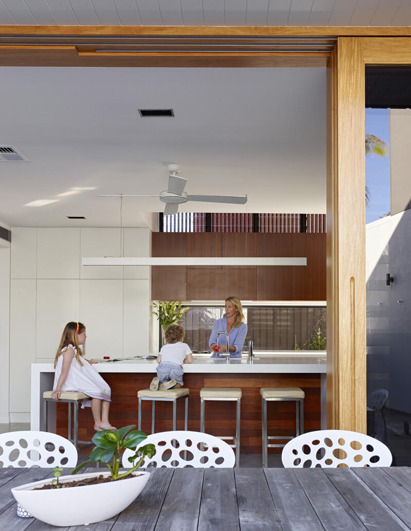 Sunshine Beach Residence By Shaun Lockyer Architects (9)