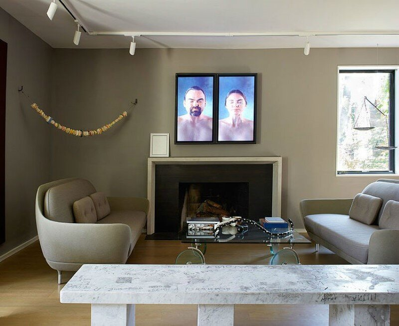 Traditional somber interior redesigned into a modern environment (21)