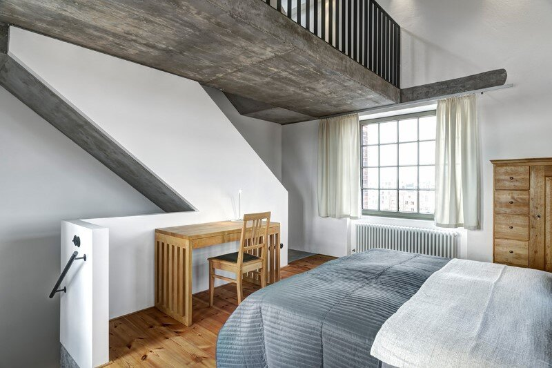 Water tower converted into a unique vacation home with beautiful views over the rooftops of Berlin (12)