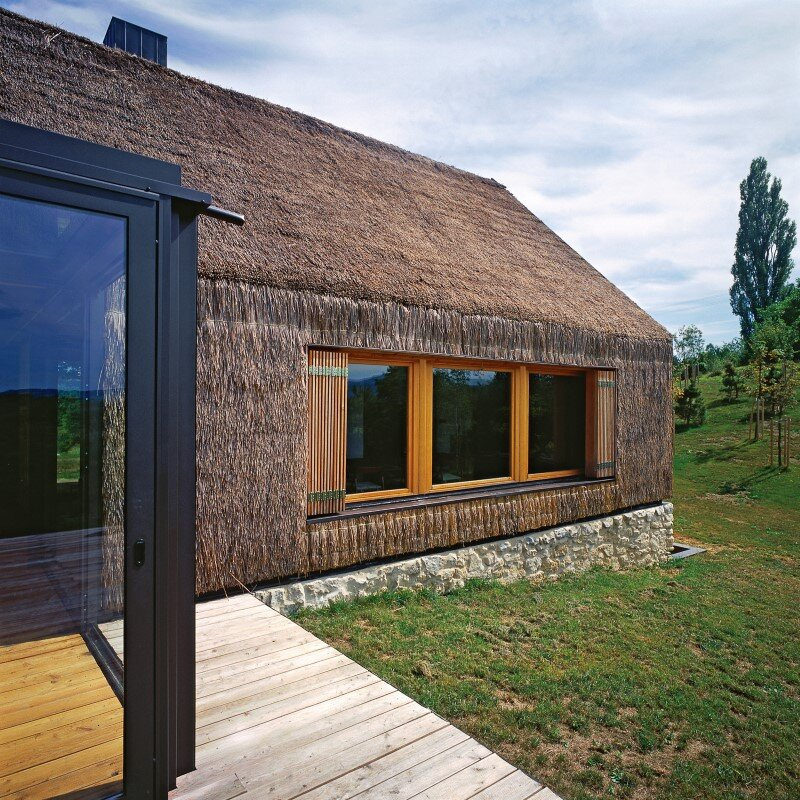 Zagorje traditional cottage - a contemporary architectural interpretation by Proarh 6