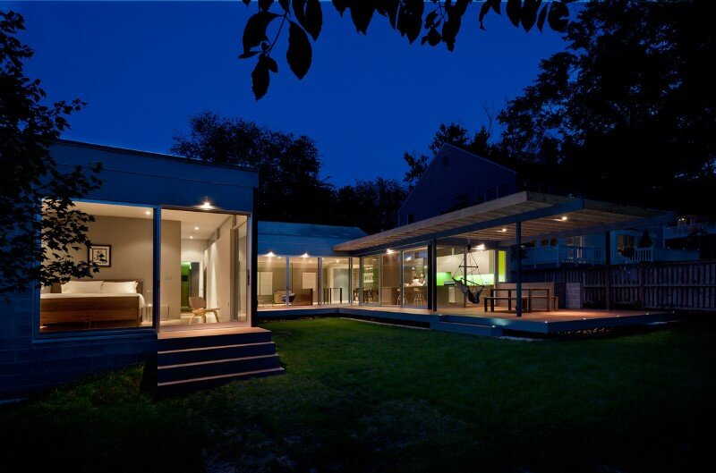 Abierta house - courtyard house with large sliding glass doors (9)