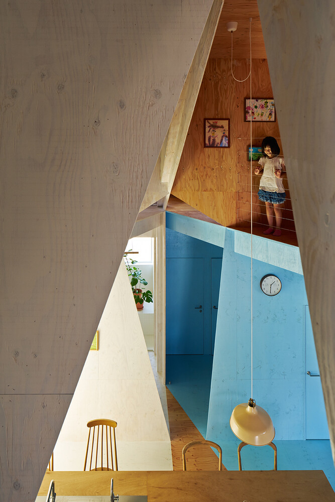 Apartment - House with an interior space full of color and dynamism (6)