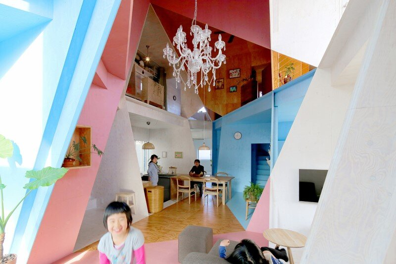 Apartment - House with an interior space full of color and dynamism (9)