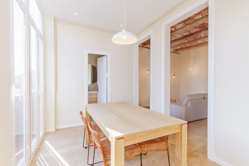 Beautiful apartment with modernist floors and high ceilings (9)