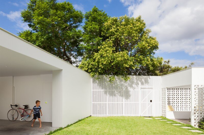 Breeze Block Home was reorganized to create a more contemporary open plan (7)
