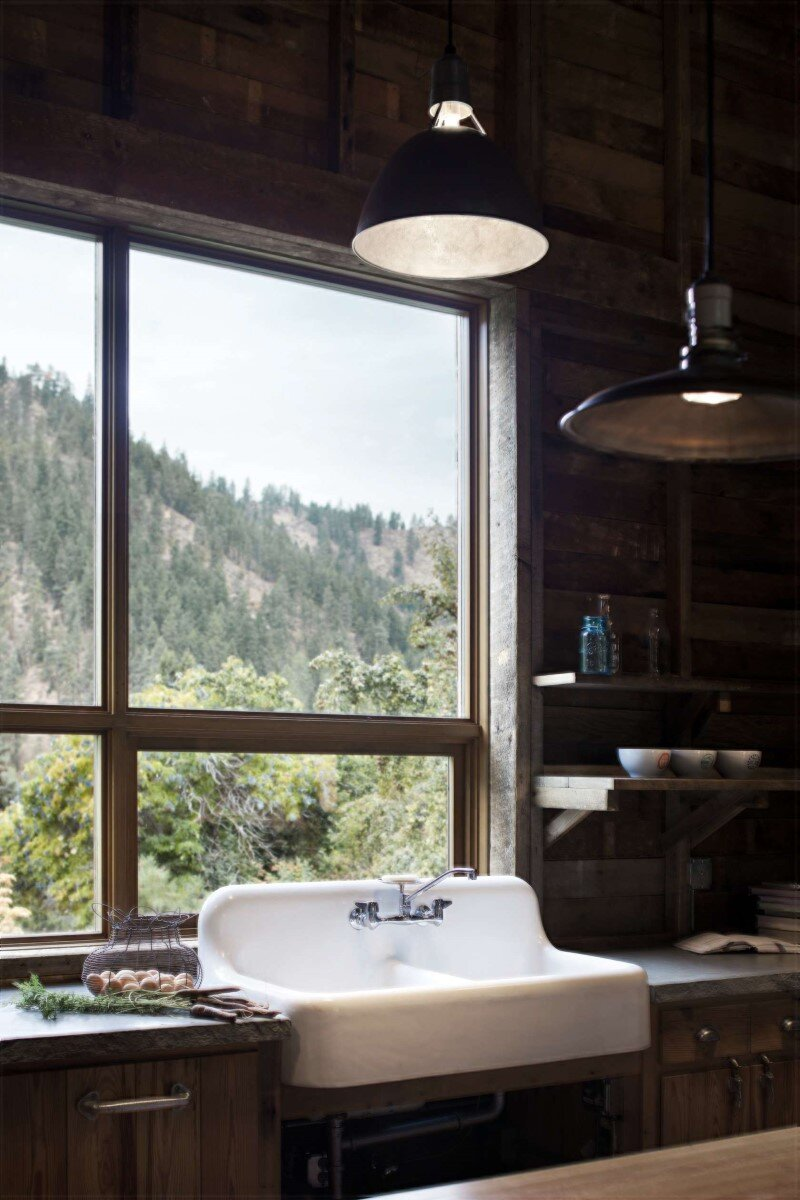 Canyon Barn - Old barn renovated and transformed into a three-bedroom retreat (14)