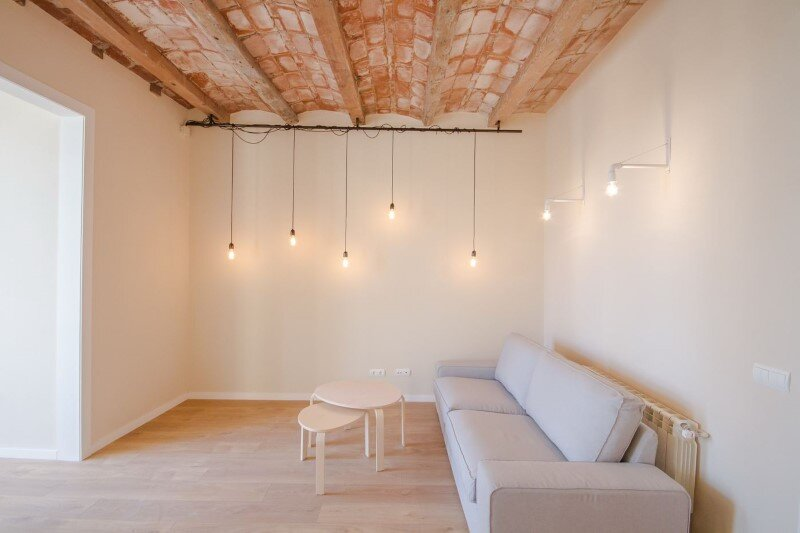 Barcelona superb apartment with modernist floors and high ceilings (8)