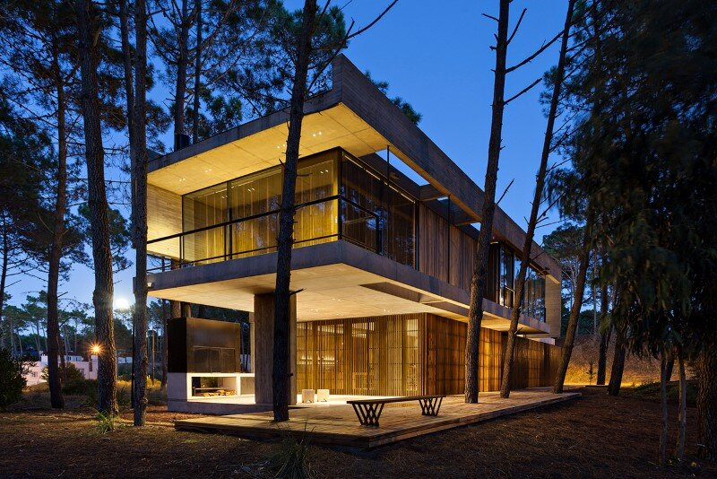 Concrete and wood harmoniously combined in Marino Pinamar House (13)