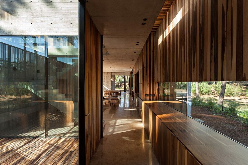 Concrete and wood harmoniously combined in Marino Pinamar House (9)