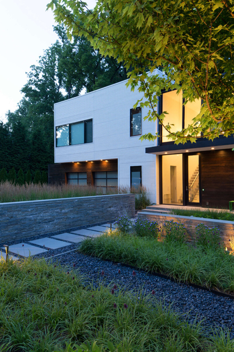 Energy-Efficient Prefab House Built in Just Two Days (11)