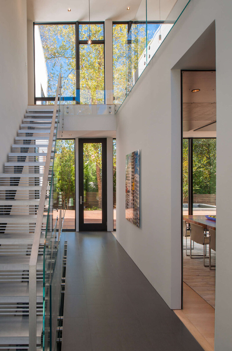 Energy-Efficient Prefab House Built in Just Two Days (16)