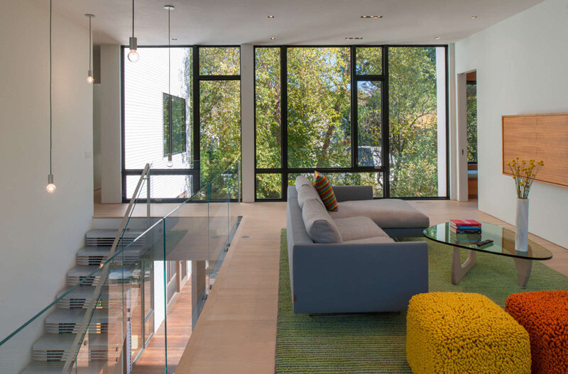 Energy-Efficient Prefab House Built in Just Two Days (18)
