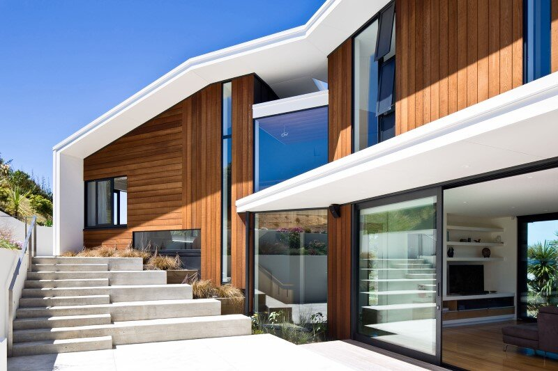 Korokoro House with expansive views over Wellington Harbour New Zealand (10)
