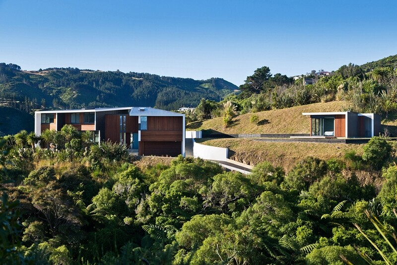 Korokoro House with expansive views over Wellington Harbour New Zealand (13)