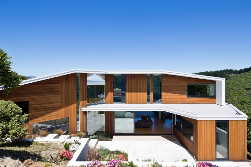 Korokoro House with expansive views over Wellington Harbour New Zealand (2)
