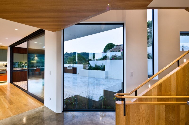 Korokoro House with expansive views over Wellington Harbour New Zealand (5)