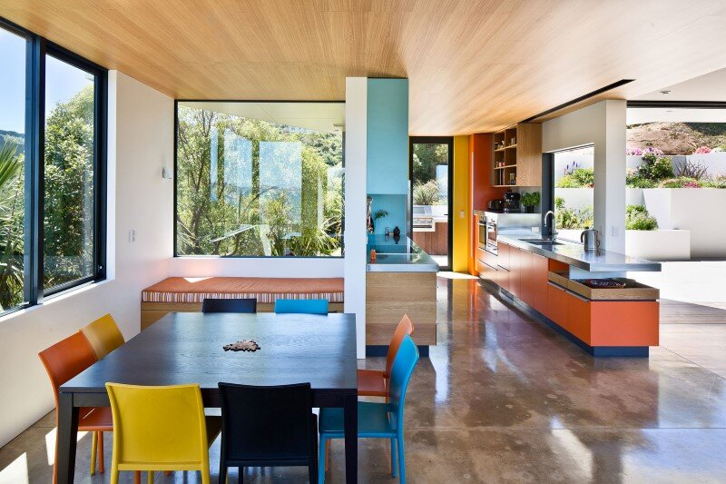 Korokoro House with expansive views over Wellington Harbour New Zealand (8)