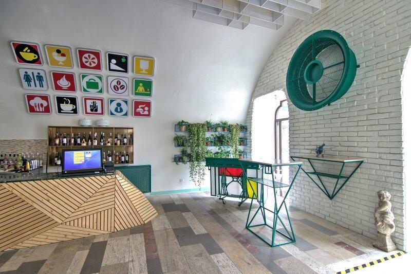 Le Jour Caffe by BPD Design, Košice, Slovakia (12)