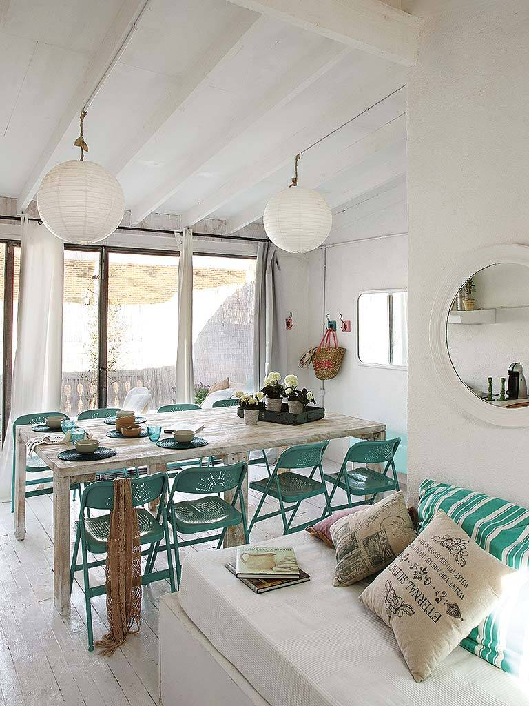 Mediterranean decor and freshness in this former garage in Barcelona (16)