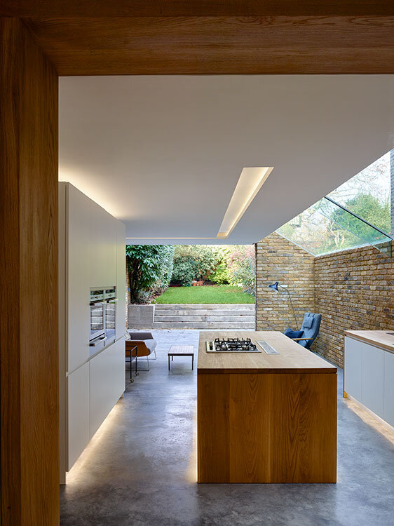 Modern Side Extension - modernization of a Victorian houses in London (2)