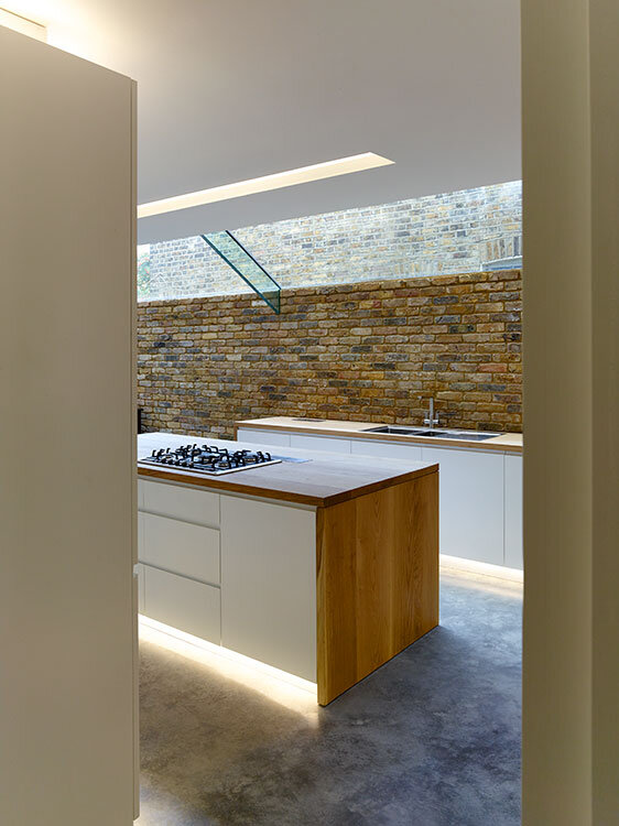 Modern Side Extension - modernization of a Victorian houses in London (5)