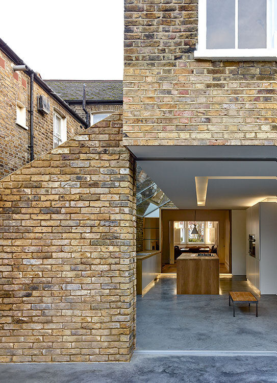 Modern Side Extension - modernization of a Victorian houses in London (7)