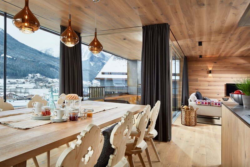 Mountain cottage interpreted in a modern way by Feuersinger Architektur (21)