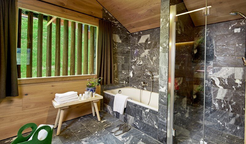 Mountain hut interpreted in a modern way by Feuersinger Architektur (6)